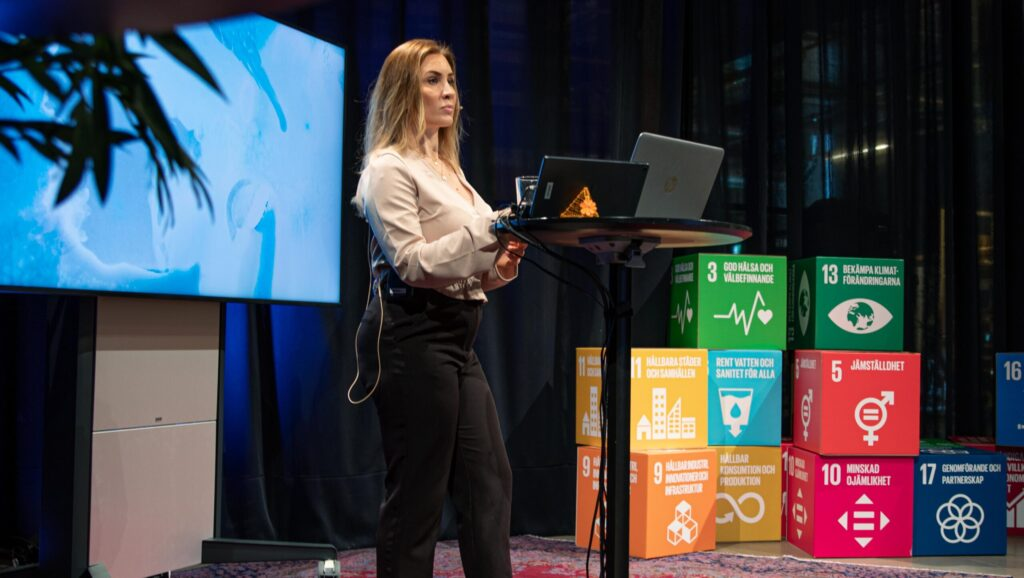 Lisa Schwarz Bour